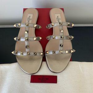 Valentino Rockstud Pebbled Leather City 5mm Sandal